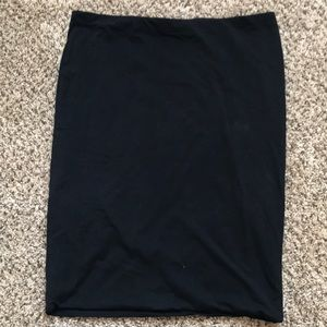 Black long H&M fitted pencil Skirt, size L